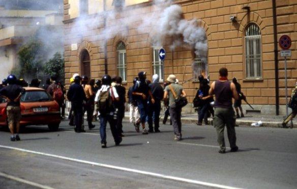 Genova 2001, assalto al carcere di Marassi